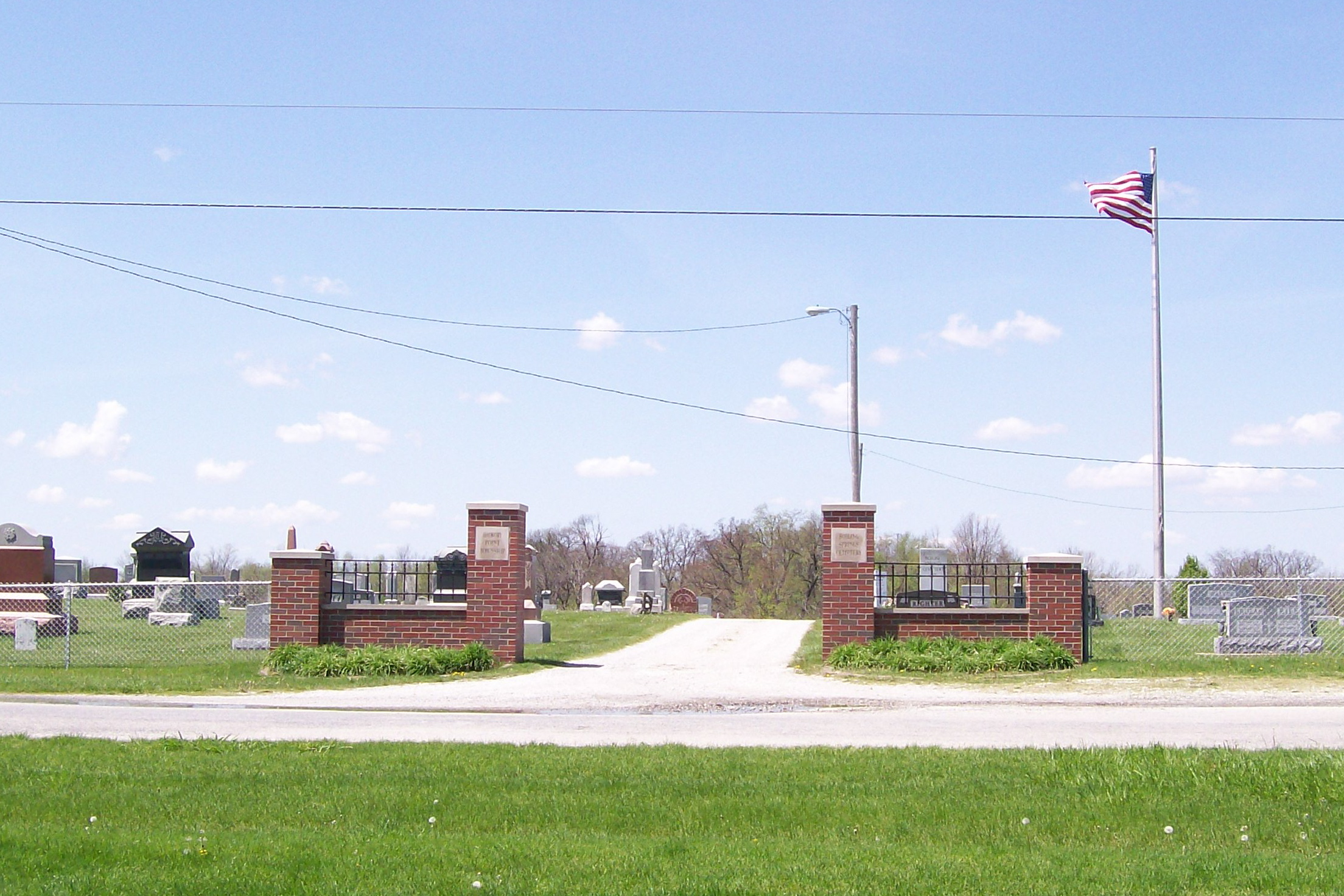 boiling springs cemetery entrance
